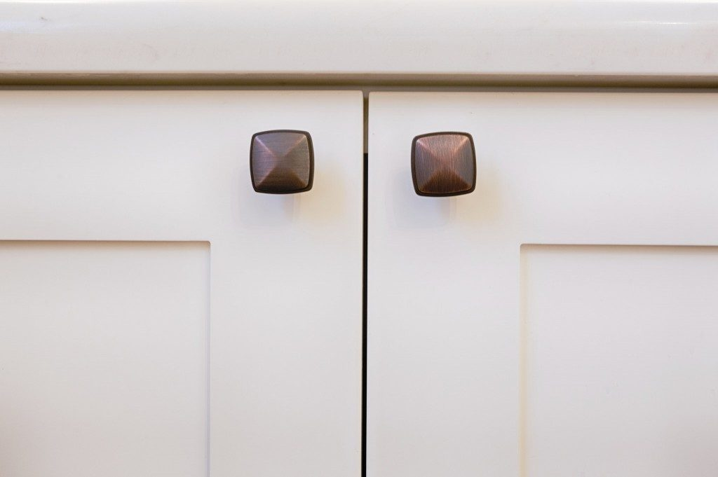 knobs vs pulls how to choose which one i should use dc drawers